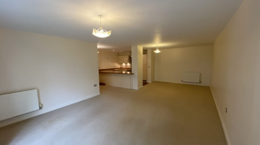 2 Bedroom Modern First Floor Apartment